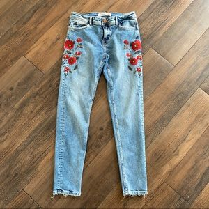 Zara Size 4 Floral Embroidered Ankle Skinny Jeans